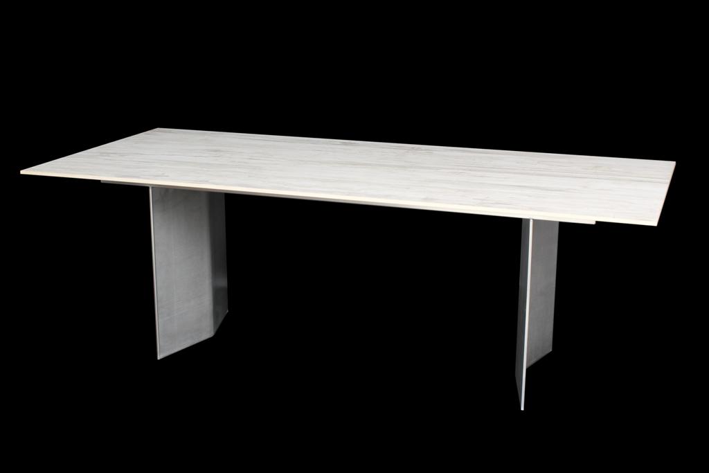 thomas ursprung tables en granit tables pour jardin. Black Bedroom Furniture Sets. Home Design Ideas